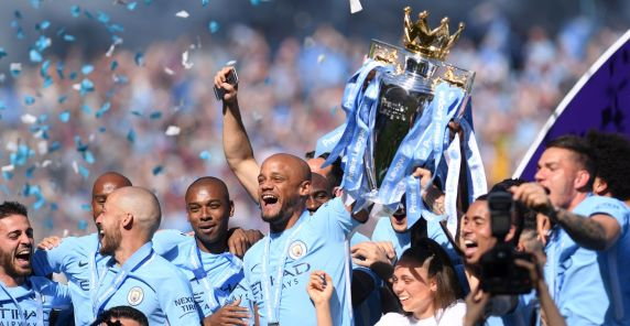 vincent-kompany-celebrates-lifts-premier-league-2018.jpg